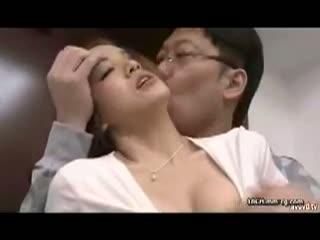 【友田彩也香】キレイな人嫁さんの口マンコ→美尻をバック突き。-