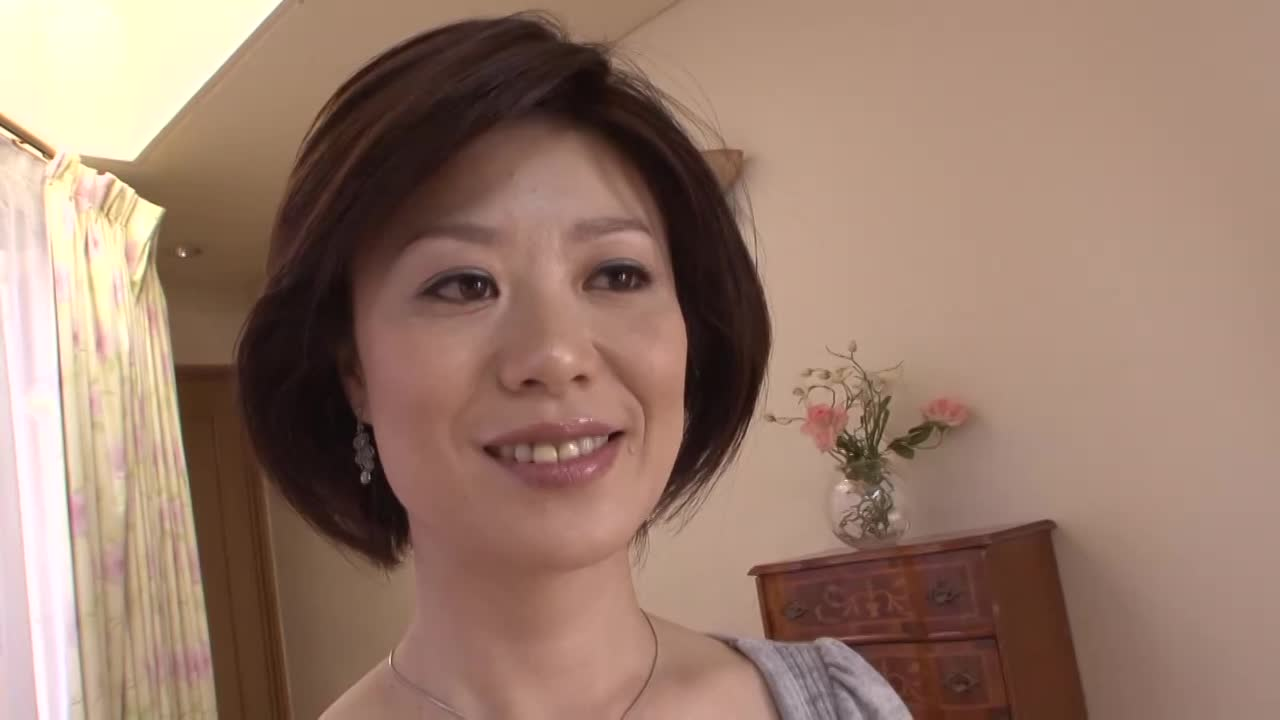 【米山涼子/44歳/初撮りドキュメント企画】素人の清楚で真面目そうなおばさんがかなりの淫乱だった